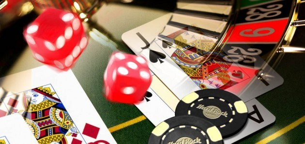 casino-bonus-cards-and-chips